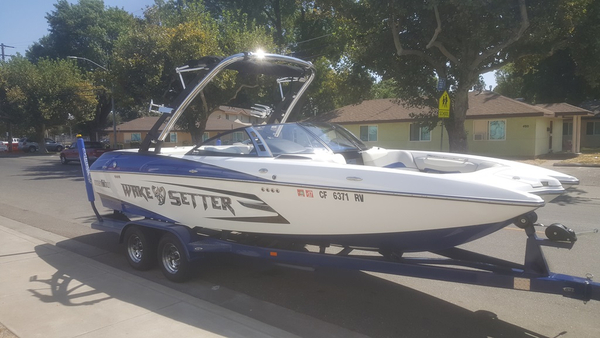 Used Malibu 22 MXZ Unspecified Boat For Sale
