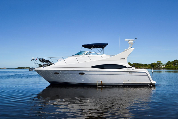 Used Carver 350 Mariner Sports Cruiser Boat For Sale