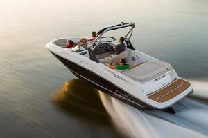 New Bayliner VR5 Deck Boat For Sale