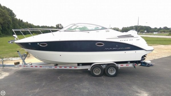 Used Maxum 2700 SE Express Cruiser Boat For Sale