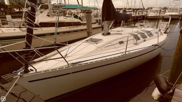 Used Beneteau 35 S 5 Sloop Sailboat For Sale