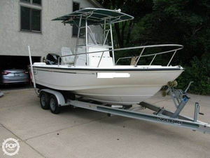 Used Boston Whaler Outrage 20 CC Center Console Fishing Boat For Sale