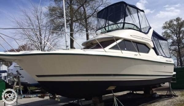 Used Bayliner 2858 Ciera Command Bridge Express Cruiser Boat For Sale