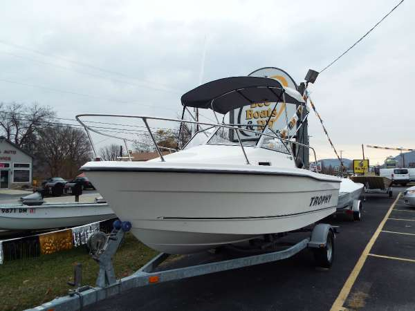Used Trophy 1802 WA Walkaround Fishing Boat For Sale