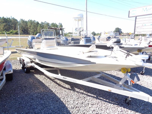 New Xpress Boats Hyper-Lift Bay H24B Bay Boat For Sale
