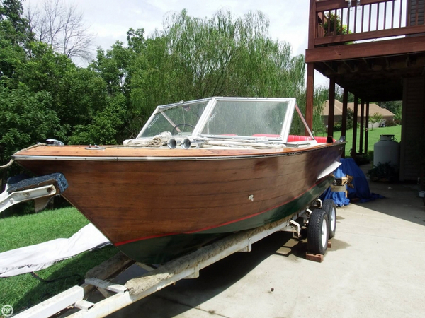 Used Chris-Craft Caravelle 20 Antique and Classic Boat For Sale