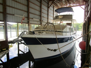 Used Chris-Craft 410 Commander Cruiser Boat For Sale