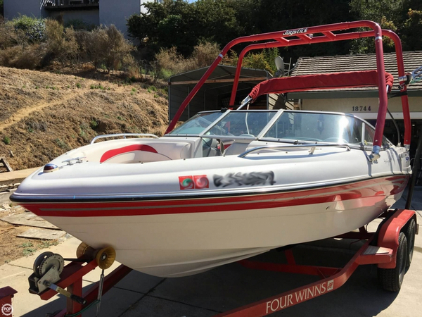 Used Four Winns Horizon 190 LS Ski and Wakeboard Boat For Sale