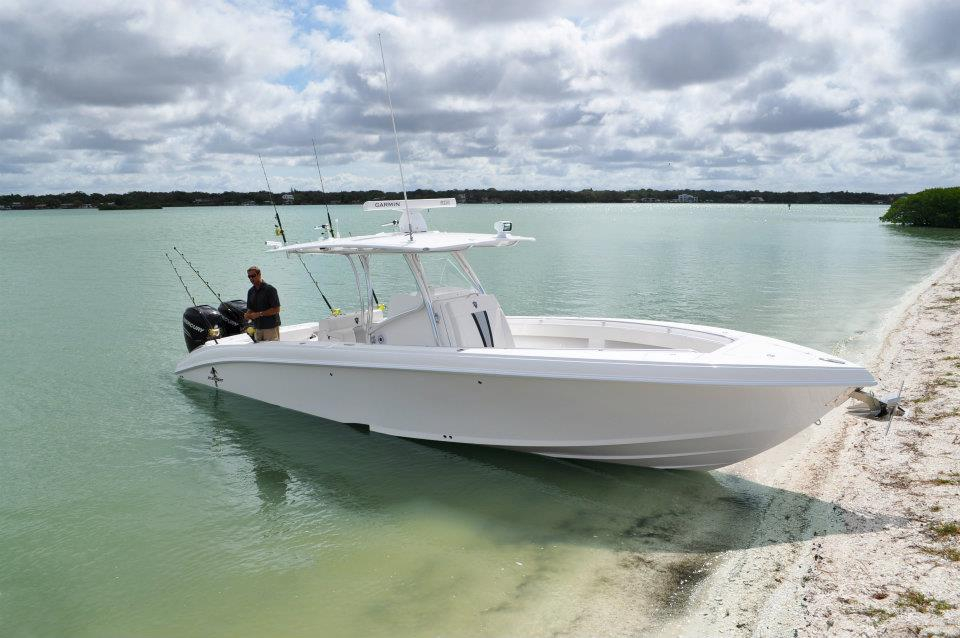 2018 new statement 35 fast fish center console fishing for Fast fishing boats