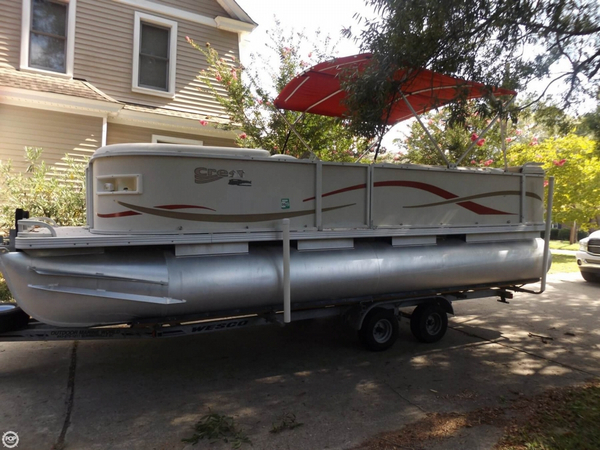 Used Crest SP22 Pontoon Boat For Sale