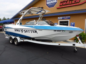 Used Malibu Boats Wakesetter 247 LSV Ski and Wakeboard Boat For Sale