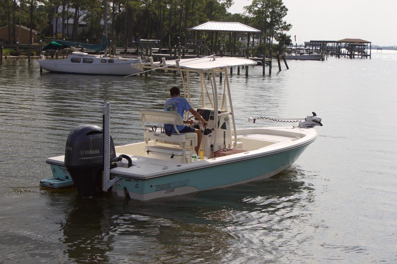 2014 used pathfinder center console fishing boat for sale for Used fishing boats for sale in florida