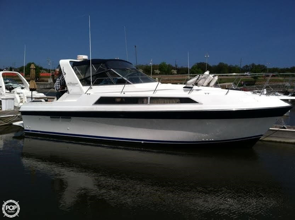 Used Carver Montego 3257 Express Cruiser Boat For Sale