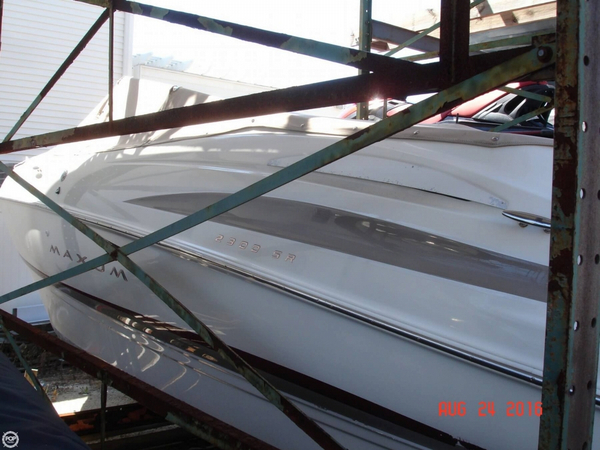Used Maxum 2300 SR Bowrider Boat For Sale