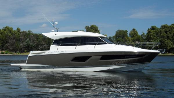 New Prestige Yachts 420S Motor Yacht For Sale