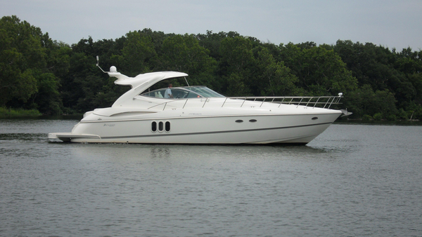 Used Cruisers Yachts 520 Express Motor Yacht For Sale
