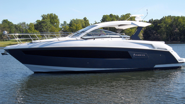 Used Cruisers Yachts 390 Express Coupe Cruiser Boat For Sale