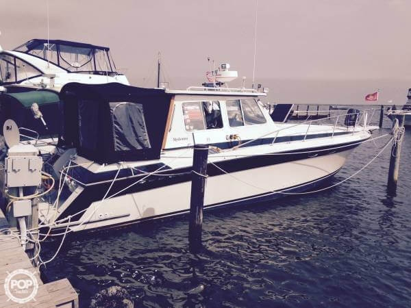 Used Wellcraft 3400 Grand Sport Custom Pilot House Express Cruiser Boat For Sale