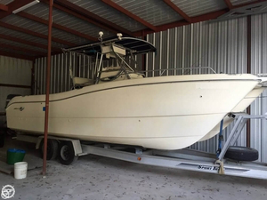 Used World Cat 26 Center Console 266 SF Power Catamaran Boat For Sale