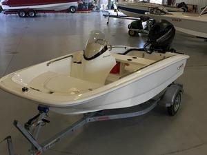 New Boston Whaler 130 Super Sport Ski and Wakeboard Boat For Sale