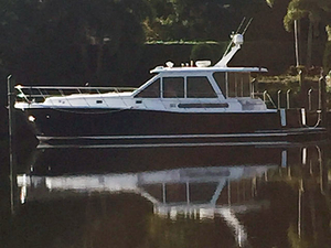 Used Hi Star Downeast Salon Express Cruiser Boat For Sale