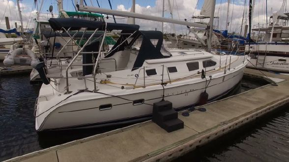Used Hunter 410 Deck Salon Cruiser Sailboat For Sale