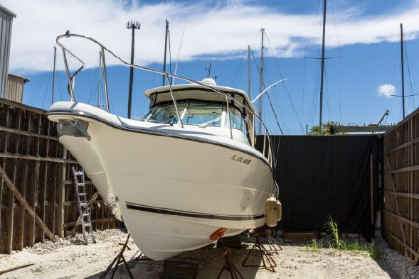 Used Pursuit 3070 Offshore Sports Fishing Boat For Sale