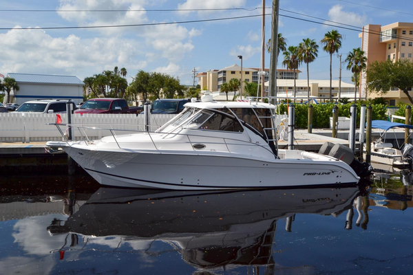Used Proline 35 Express Cruiser Boat For Sale