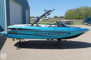 Used Malibu Wakesetter 21 VLX Ski and Wakeboard Boat For Sale