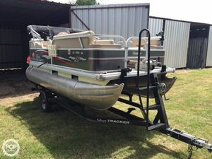 Used Sun Tracker 16 DLX Party Barge Pontoon Boat For Sale