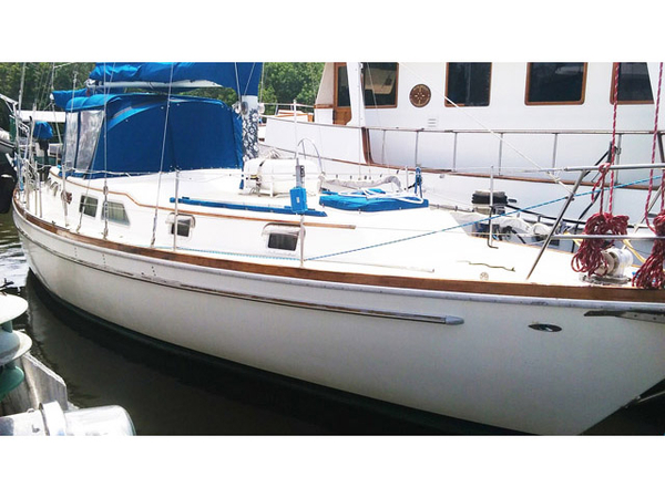 Used Gulf Star Gulfstar 43 Cruiser Sailboat For Sale