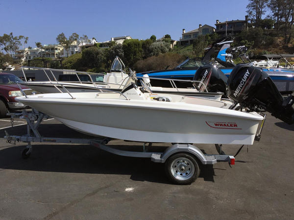 New Boston Whaler 130 Super Sport Center Console Fishing Boat For Sale