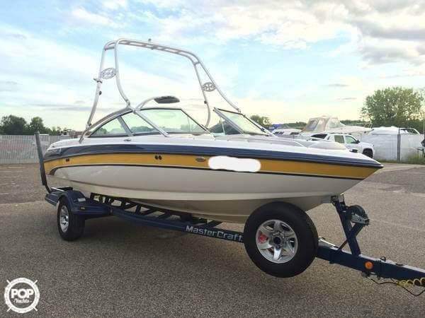 Used Mastercraft Maristar 210 VRS Ski and Wakeboard Boat For Sale