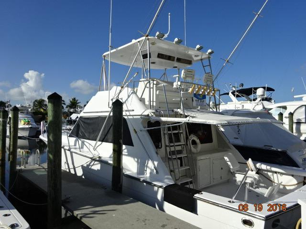 Used Ricker 48 Convertible Motor Yacht For Sale