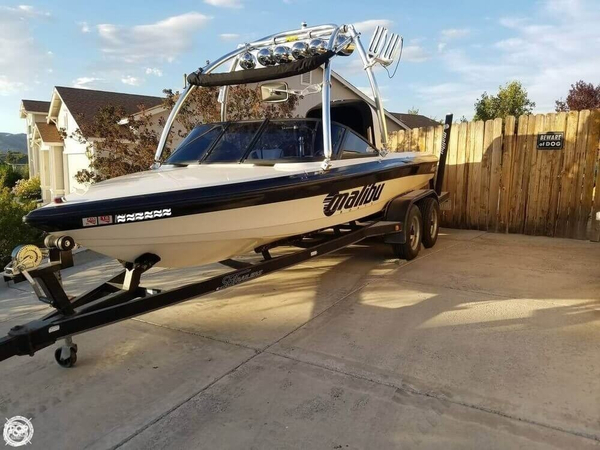 Used Malibu Response Ski and Wakeboard Boat For Sale