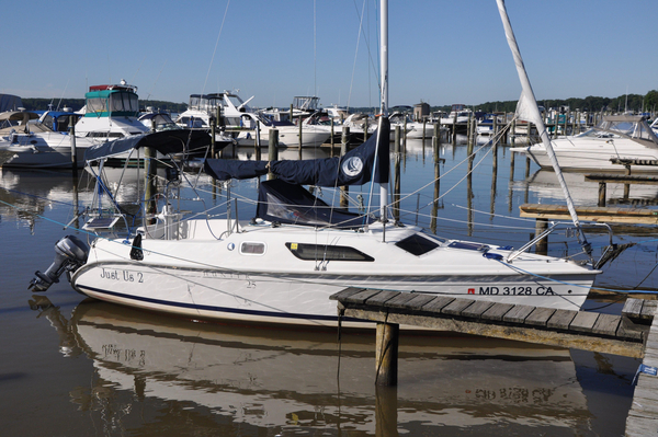 Used Hunter 25 Daysailer Sailboat For Sale