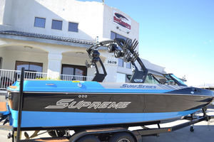 New Supreme S238 Ski and Wakeboard Boat For Sale