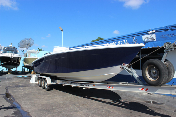Used Avanti 33 Cuddy Cabin Boat For Sale