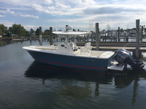 Used Regulator 28 Forward Seating Center Console Fishing Boat For Sale