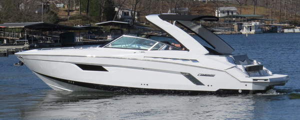 Used Cruisers 328SS Sport Series Bowrider Boat For Sale
