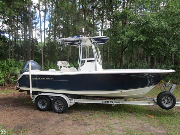 Used Sea Hunt Triton 210 Center Console Fishing Boat For Sale