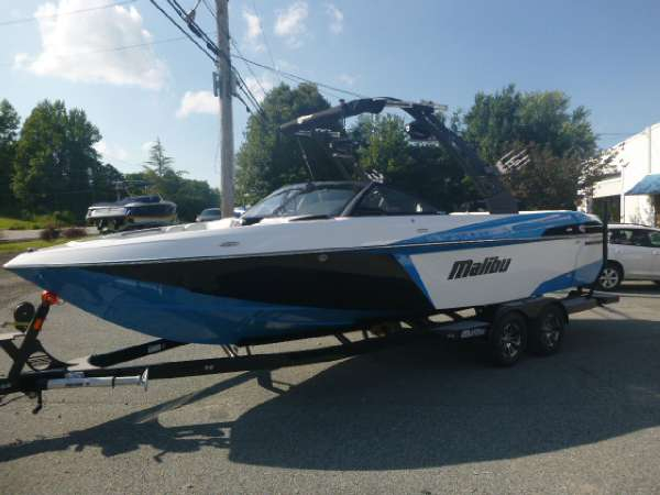 Used Malibu 25 LSV Ski and Wakeboard Boat For Sale