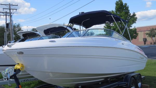 New Rinker Captiva 236 BR Bowrider Boat For Sale