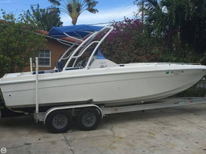 Used Blue Fin 260 Center Console Fishing Boat For Sale