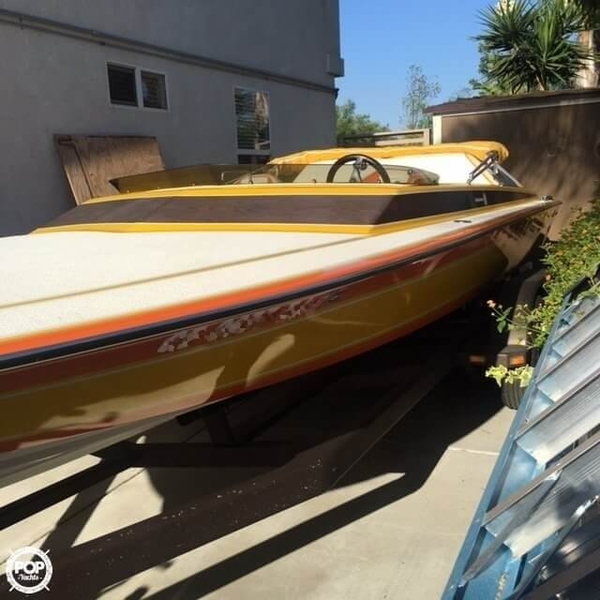 Used Schiada 21 RC High Performance Boat For Sale