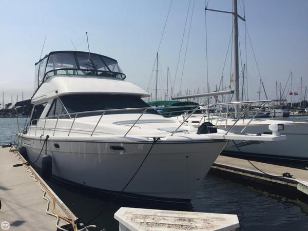 Used Bayliner 3988 Command Bridge Sports Fishing Boat For Sale