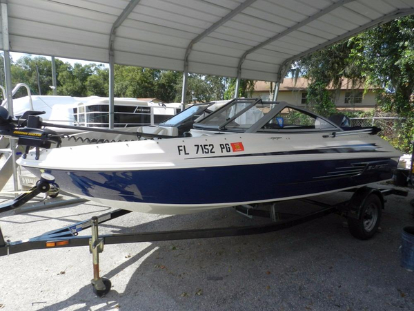 Used Larson LX 620 SF Ski and Fish Boat For Sale