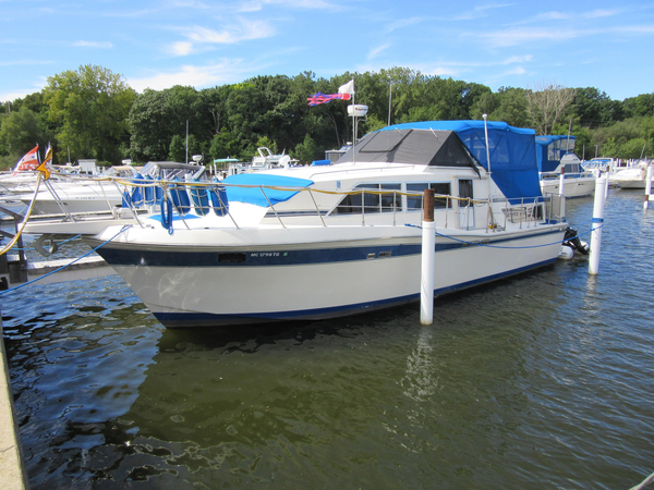 Used Chriscraft 381 Catalina Motor Yacht For Sale