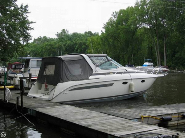 Used Tiara 270 Express Cruiser Boat For Sale