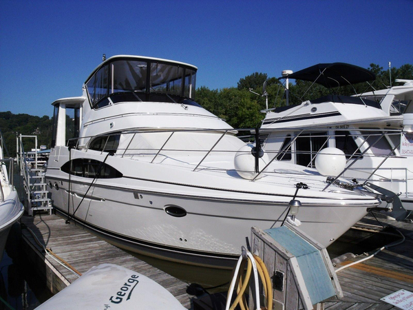 Used Carver 444 ES Cockpit Motor Yacht Motor Yacht For Sale